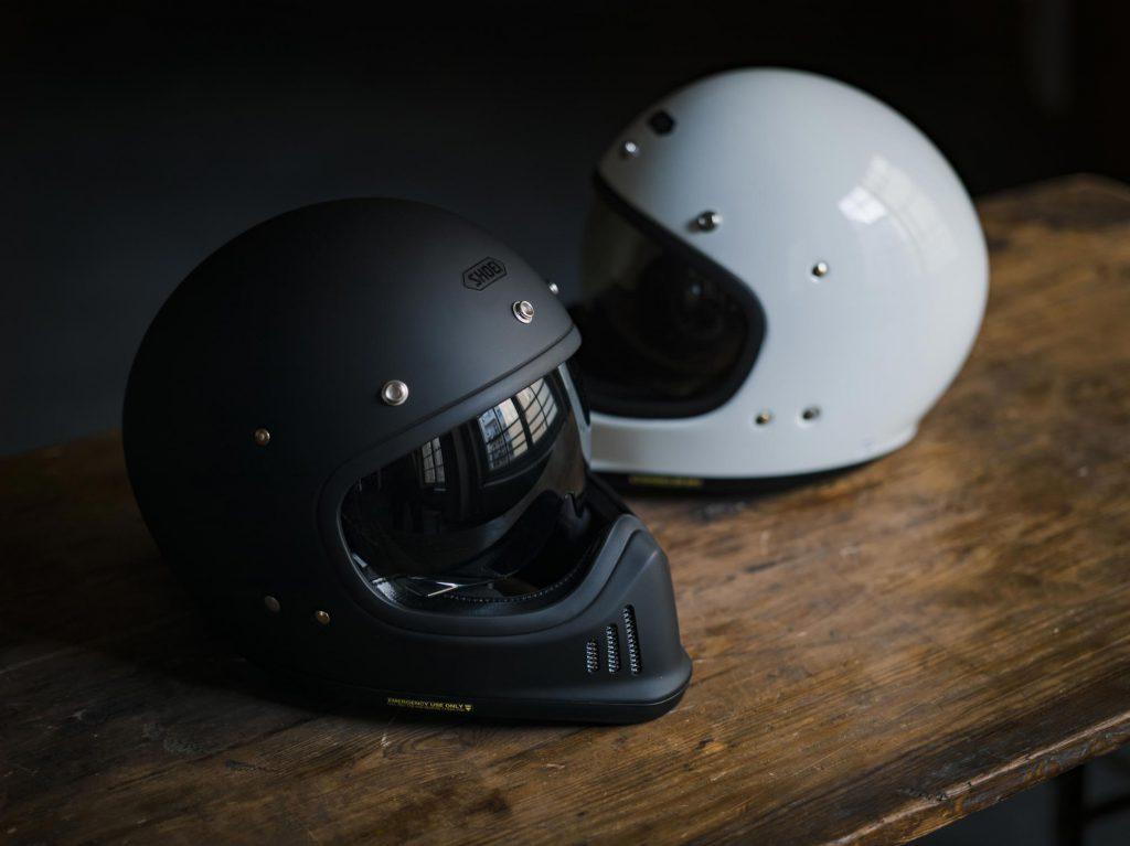 shoei-helmet-retro-lifestyle-gloss-10